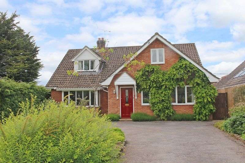 5 Bedrooms Detached House for sale in Houghton