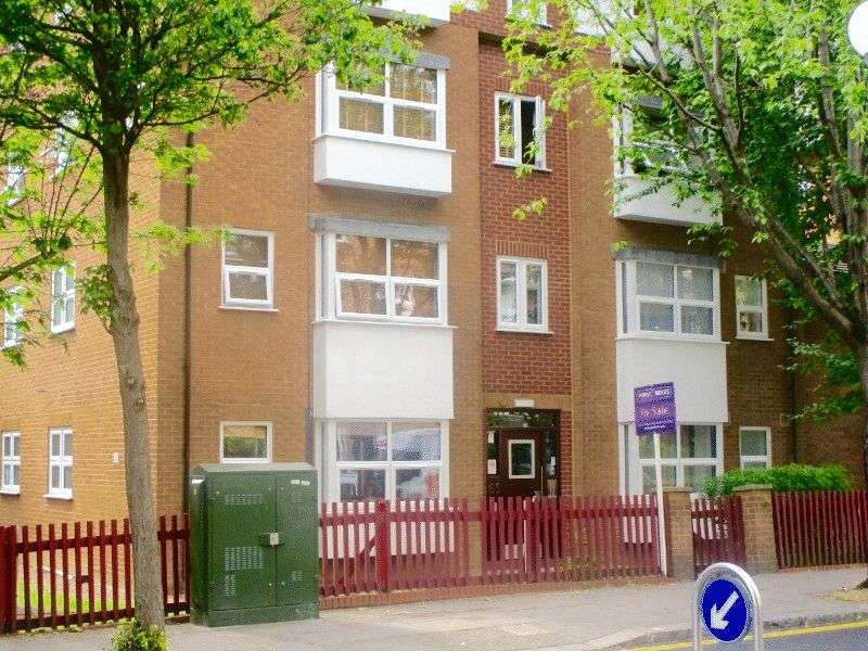 Flat for sale in Bramley Road, London
