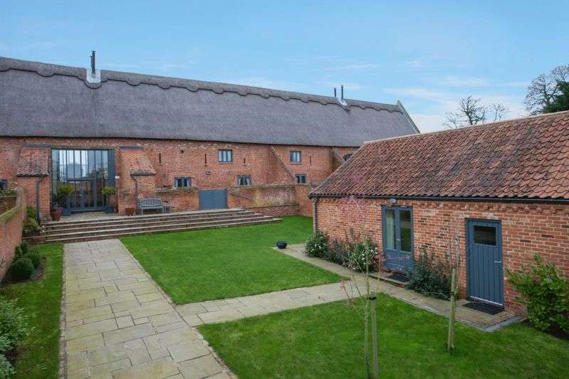 4 Bedrooms Property for sale in Booton, Norwich