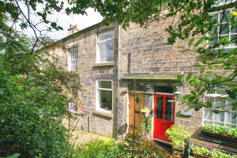 2 Bedrooms Cottage House for sale in Adlington Road, Bollington