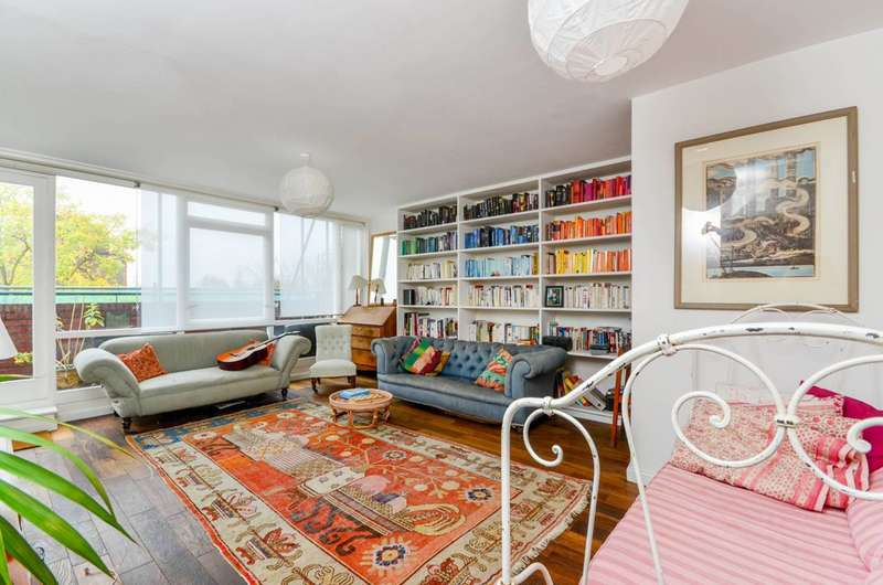 3 Bedrooms Flat for sale in Southwyck House, Brixton, SW9