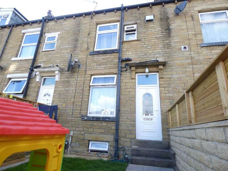 4 Bedrooms Property for sale in Baines Street, Halifax, West Yorkshire, HX1