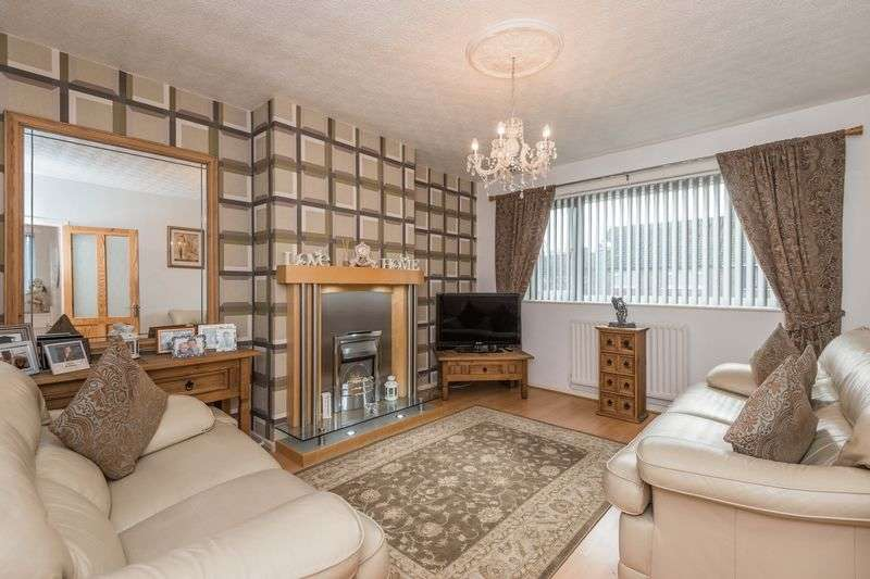 4 Bedrooms Flat for sale in Tyrer Road, Ormskirk