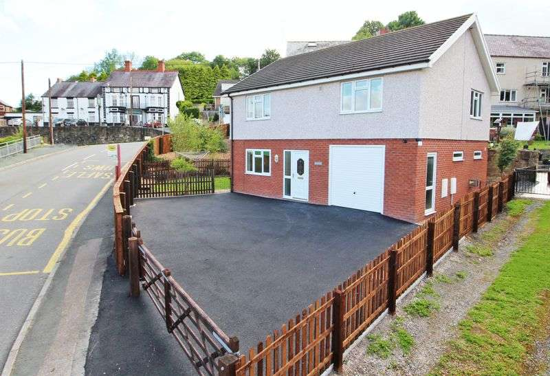 3 Bedrooms Detached House for sale in Dolydd Road, Wrexham