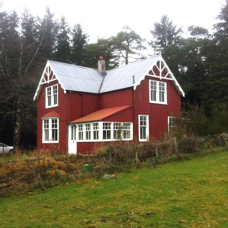 4 Bedrooms Detached House for sale in Dulnain Bridge, PH26 3LS