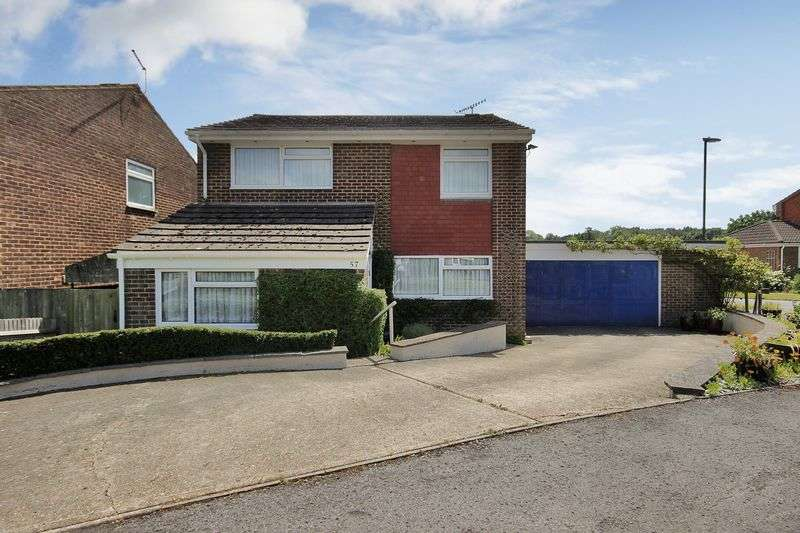 4 Bedrooms Detached House for sale in Tiltwood Drive, Crawley Down, West Sussex
