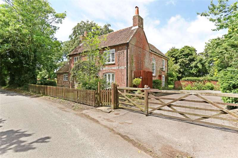 4 Bedrooms Detached House for sale in Hipley, Hambledon, Hampshire, PO7
