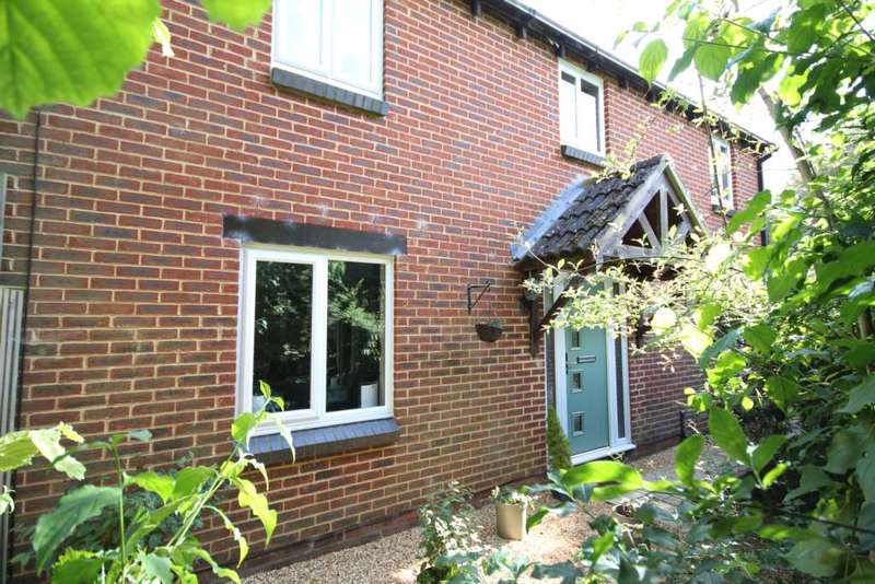 3 Bedrooms Detached House for sale in Coney Grange, Warfield