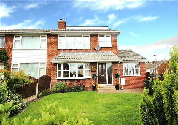 3 Bedrooms Semi Detached House for sale in Norwood Drive, Brierley