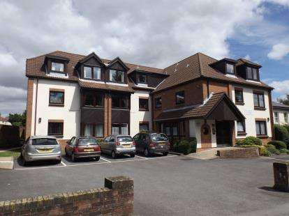 1 Bedroom Flat for sale in 527 Bitterne Road East, Southampton, Hampshire