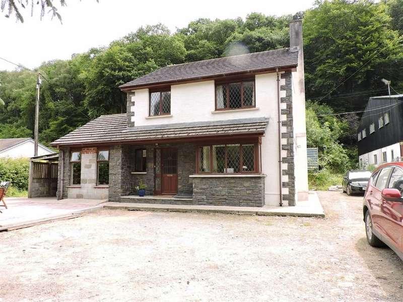 4 Bedrooms Property for sale in Dre-Fach Felindre, Llandysul
