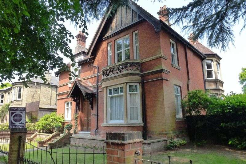 6 Bedrooms Detached House for sale in Clarkson Avenue, Wisbech, Cambridgeshire