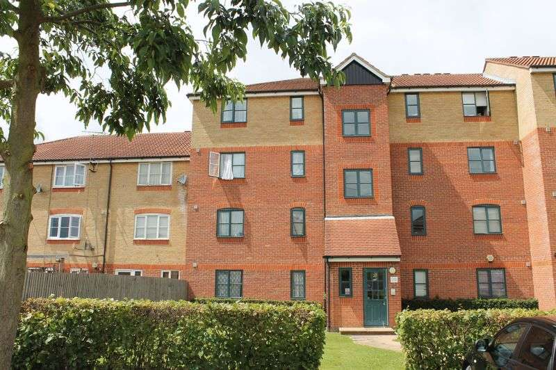 2 Bedrooms Flat for sale in Needham Court, Manton Road, Enfield Island Village