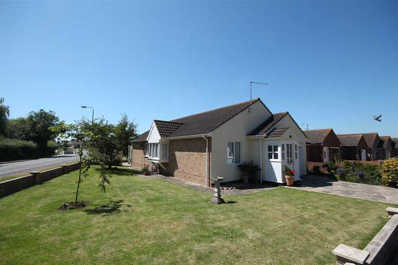3 Bedrooms Bungalow for sale in Colthorpe Road, Great Clacton