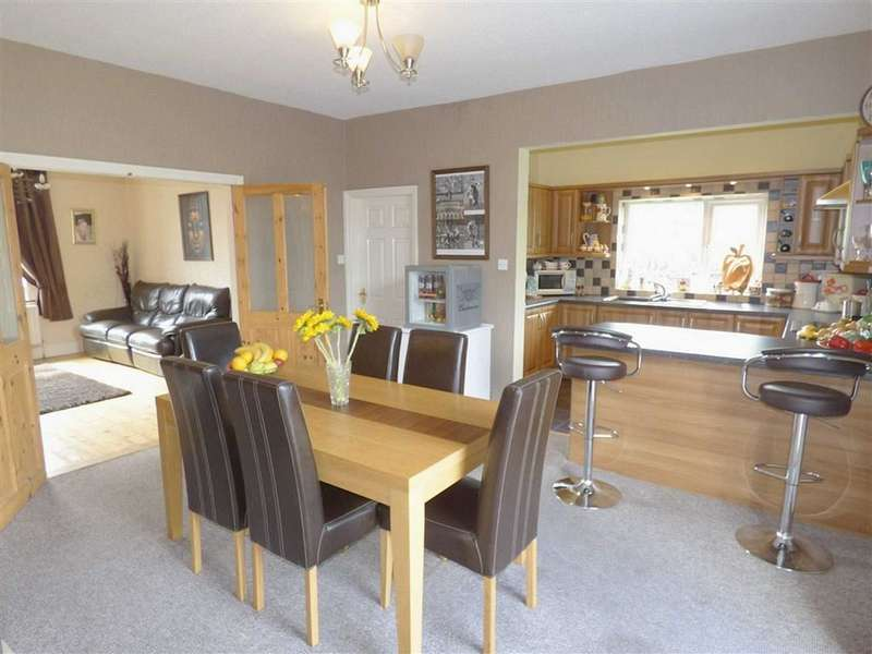 3 Bedrooms Property for sale in Hoyle Street, Whitworth, Rochdale, Lancashire, OL12