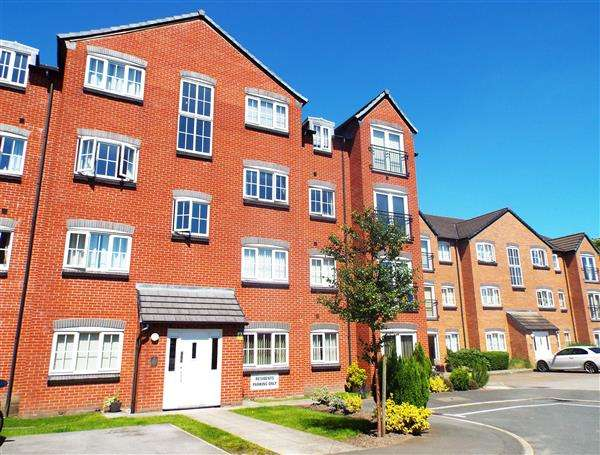 2 Bedrooms Apartment Flat for sale in Baldwins Close, Oldham