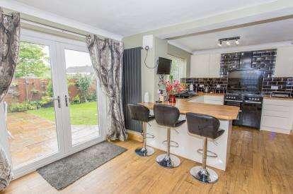 4 Bedrooms Detached House for sale in Gleneagles Road, Darlington