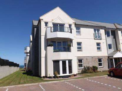 3 Bedrooms Flat for sale in Pentire Avenue, Newquay, Cornwall