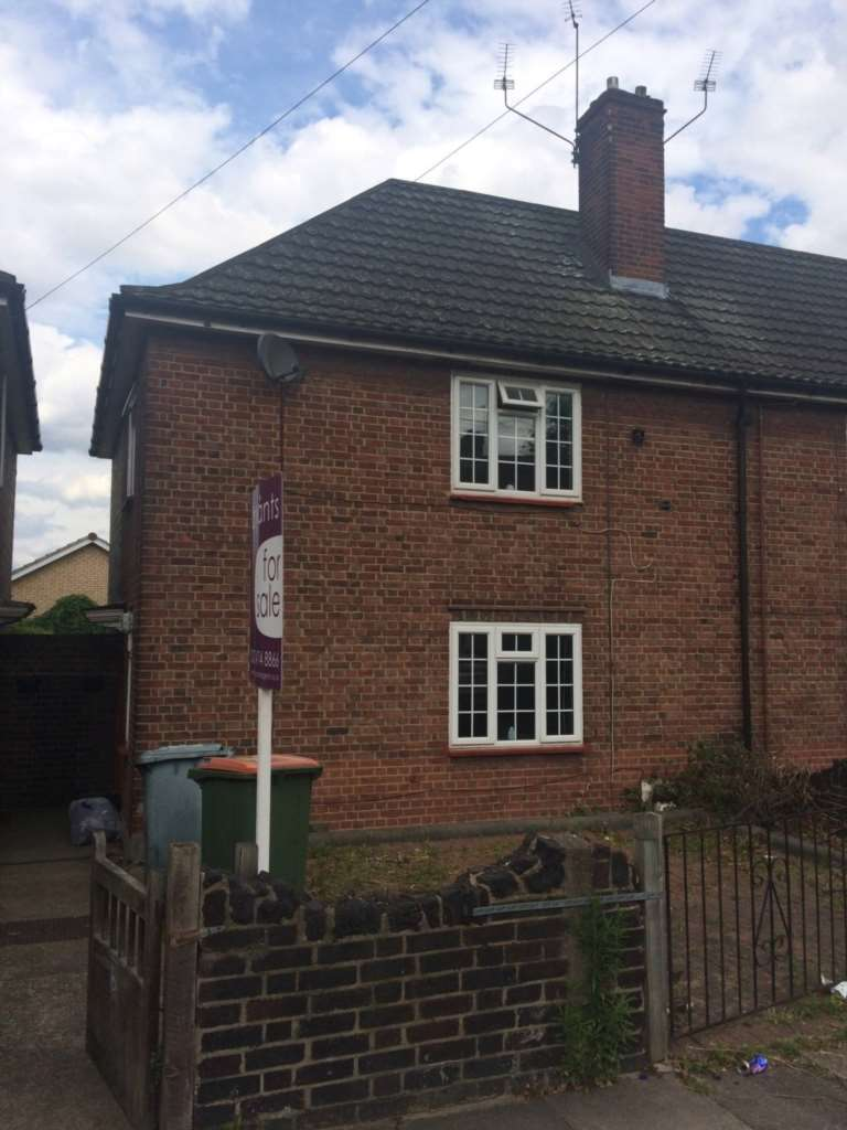 3 Bedrooms House for sale in Jenkins Road, Plaistow, E13 8NP