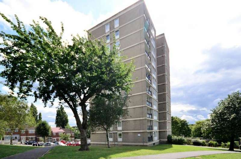 2 Bedrooms Flat for sale in Rye Hill Park, London SE15