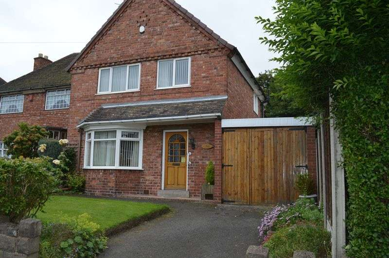 3 Bedrooms Semi Detached House for sale in Thursfield Road, West Bromwich
