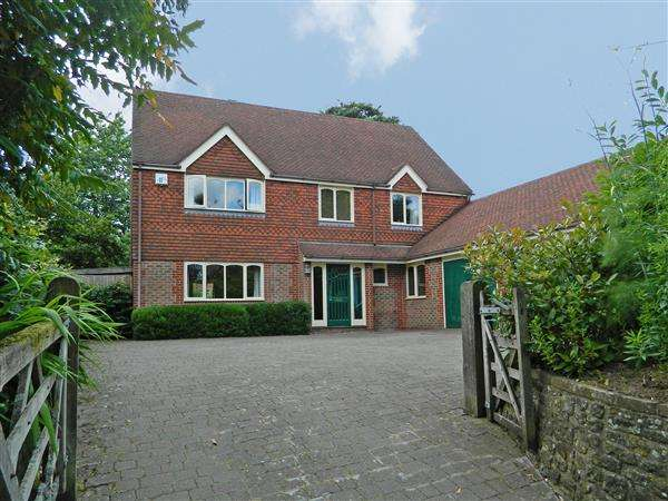 4 Bedrooms House for sale in Easebourne Lane, Midhurst, West Sussex, GU29