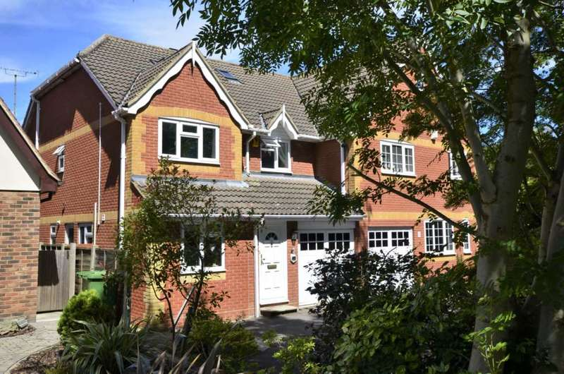 5 Bedrooms Semi Detached House for sale in Norsey Road, Billericay