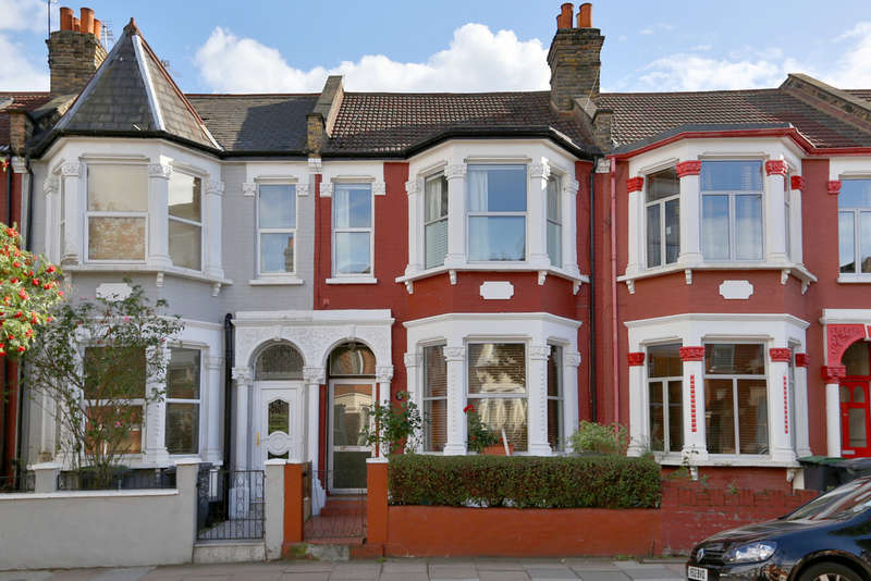 4 Bedrooms Terraced House for sale in Frobisher Road, Harringay, London