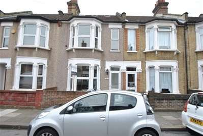 4 Bedrooms Terraced House for sale in Francis Avenue, Ilford