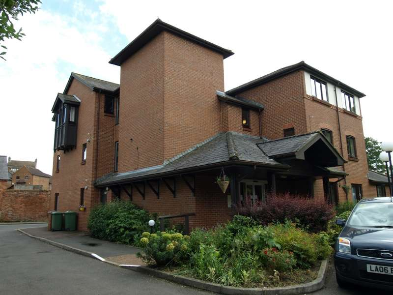 2 Bedrooms Apartment Flat for sale in Lawnsmead Gardens, Newport Pagnell