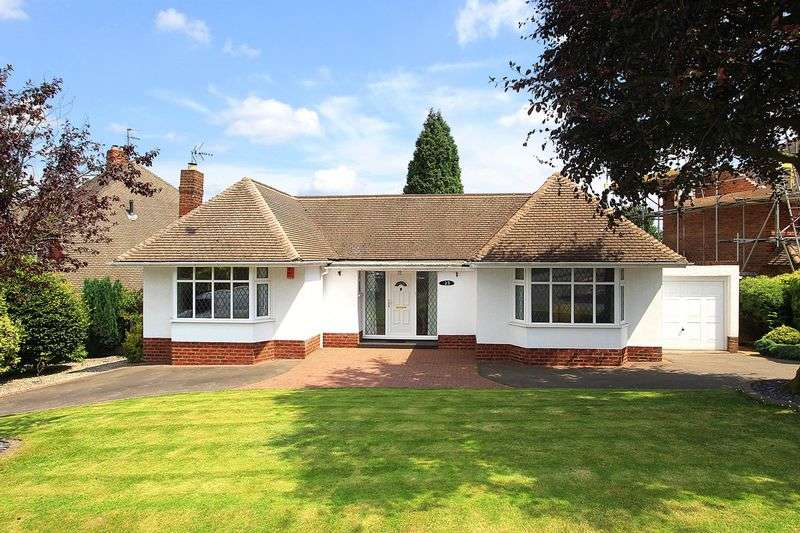2 Bedrooms Detached Bungalow for sale in PENN, Church Hill