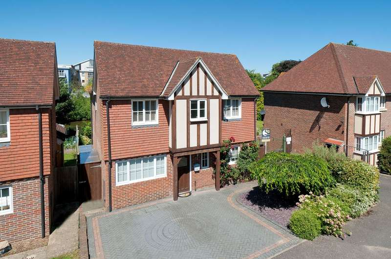 4 Bedrooms Detached House for sale in The Moorings, College Avenue, Maidstone, ME15