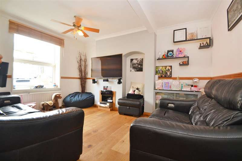 3 Bedrooms Terraced House for sale in Garendon Road, Morden