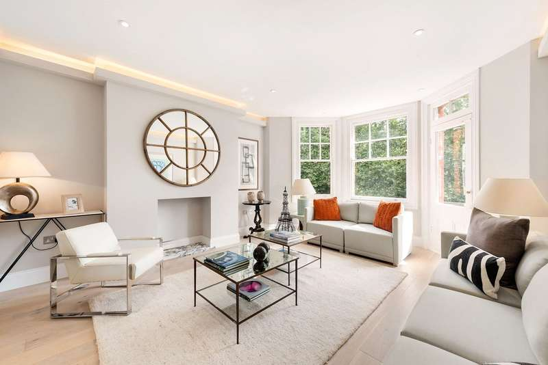 2 Bedrooms Flat for sale in Albany Mansions, Albert Bridge Road, London, SW11