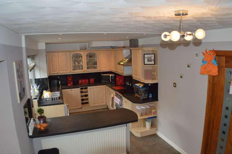 3 Bedrooms Semi Detached House for sale in Roberts Villa, Llandaff North