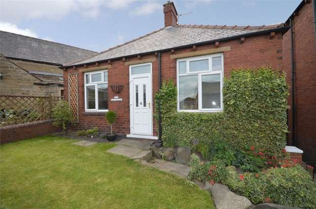 2 Bedrooms Detached Bungalow for sale in Lodge Street, Skelmanthorpe, HUDDERSFIELD, West Yorkshire