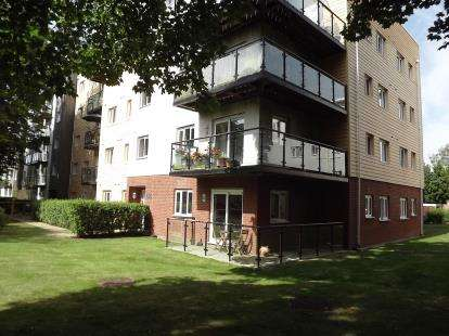 2 Bedrooms Flat for sale in Gisors Road, Southsea, Hampshire