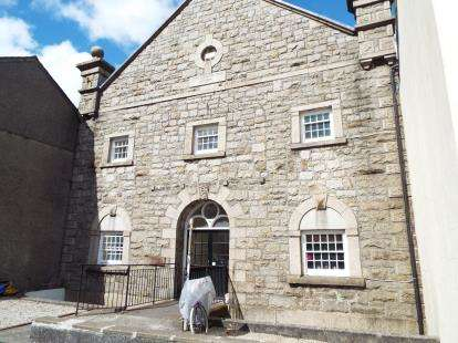 2 Bedrooms Flat for sale in West Street, Penryn, Cornwall