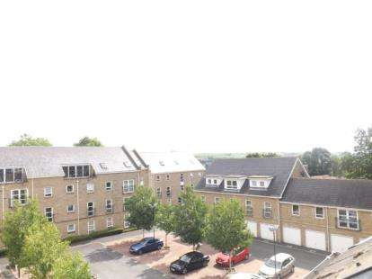 2 Bedrooms Flat for sale in Regent Court, Albert Promenade, Halifax, West Yorkshire