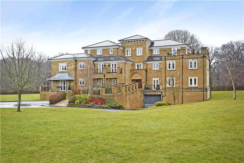 3 Bedrooms Flat for sale in Aspen House, 12 East Parkside, Warlingham, Surrey, CR6