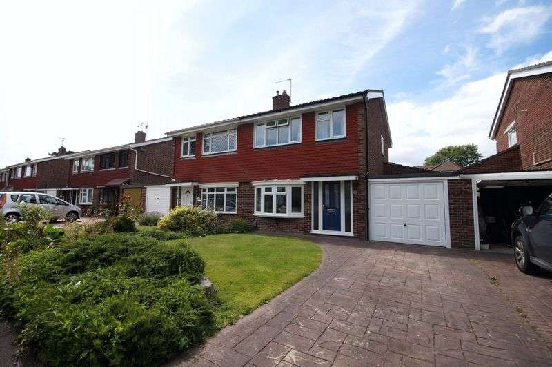 3 Bedrooms Semi Detached House for sale in Woodbourne Close, Fareham