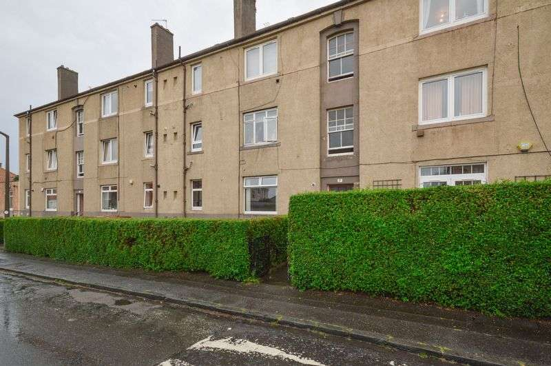 2 Bedrooms Flat for sale in 17/1 Grierson Gardens, Trinity, Edinburgh, EH5 2AS