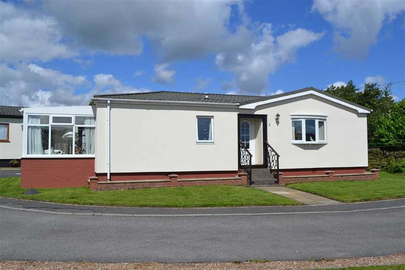 2 Bedrooms Bungalow for sale in Warmleigh Park, Queensbury, Bradford