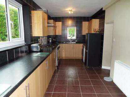 4 Bedrooms Semi Detached House for sale in York Road, Colwyn Bay, Conwy, LL29
