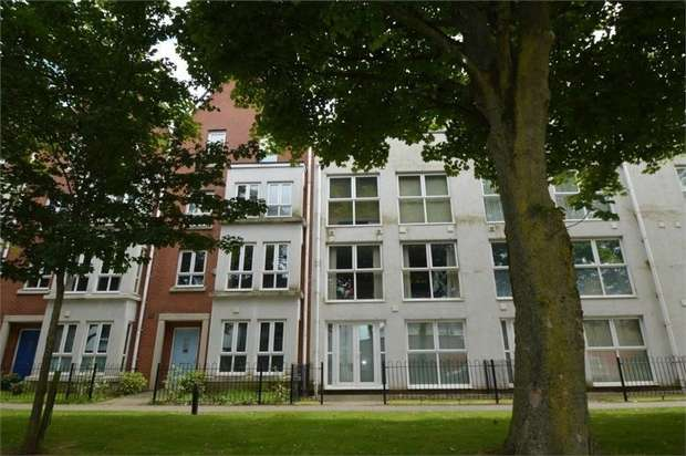 1 Bedroom Flat for sale in Green View, SALFORD, Greater Manchester
