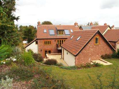 6 Bedrooms Detached House for sale in Brook Street, North Newton, Bridgwater