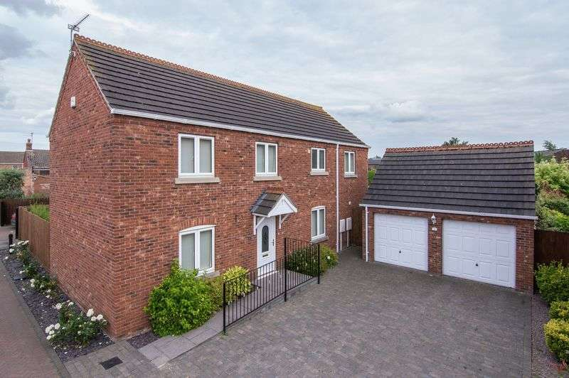 4 Bedrooms Detached House for sale in Kings Arms Close, Kirton