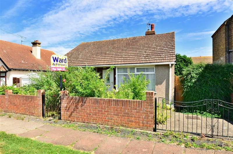 2 Bedrooms Bungalow for sale in Fernlea Avenue, Herne Bay, Kent
