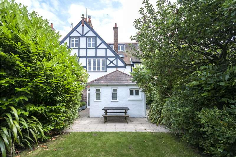 5 Bedrooms Terraced House for sale in Lauriston Road, Brighton, East Sussex, BN1