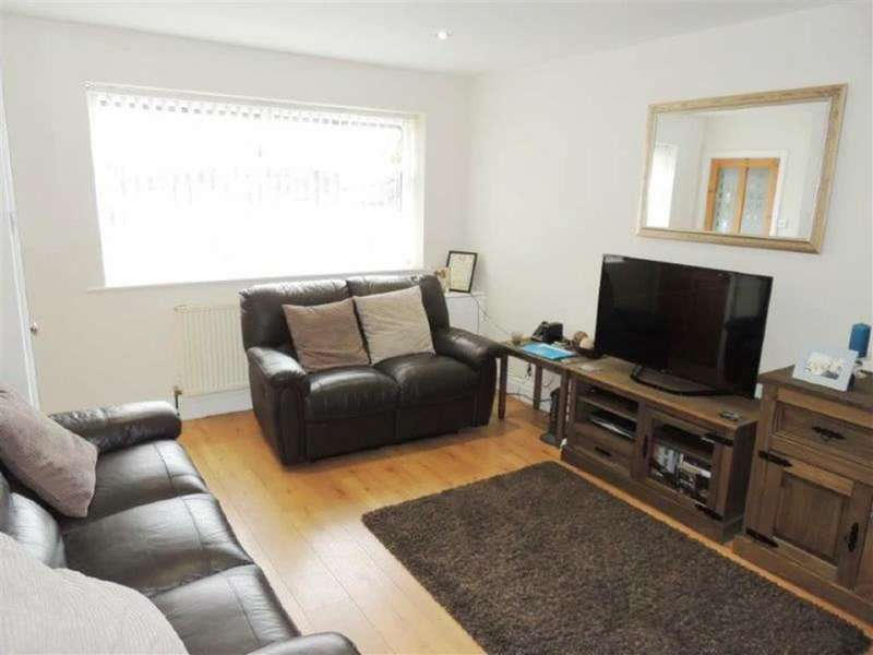 3 Bedrooms Property for sale in Greenside Lane, Droylsden, Manchester